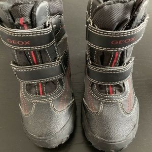 Geox Shoes - 🎈 Geox toddler boots size 8.5 🎈